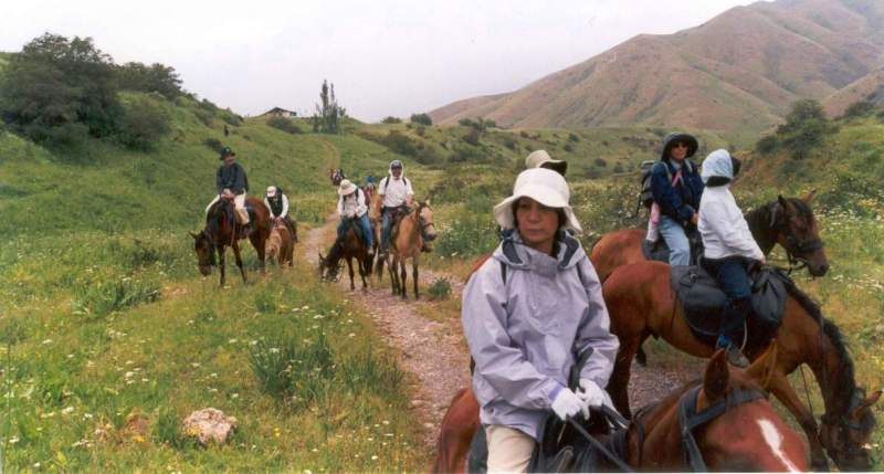 Прогулка на лошадях в ущелье Кши-Каинды.