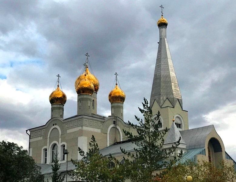 Кафедральный собор во имя Введения во храм Пресвятой Богородицы в Караганде.