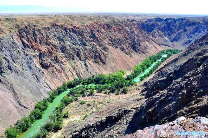 Центральная часть Чарынского каньона