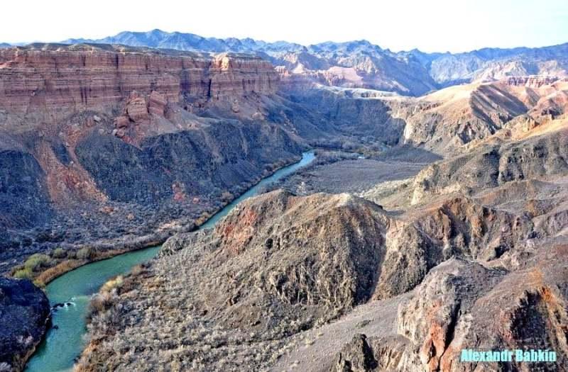Центральная часть Чарынского каньона.