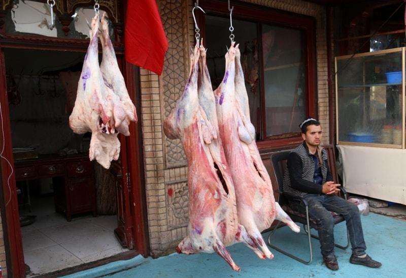 Продавец мяса. Барашки что надо.