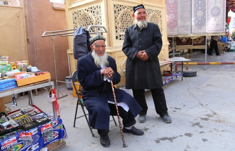 На базаре в окрестностях мечети Ид Ках.