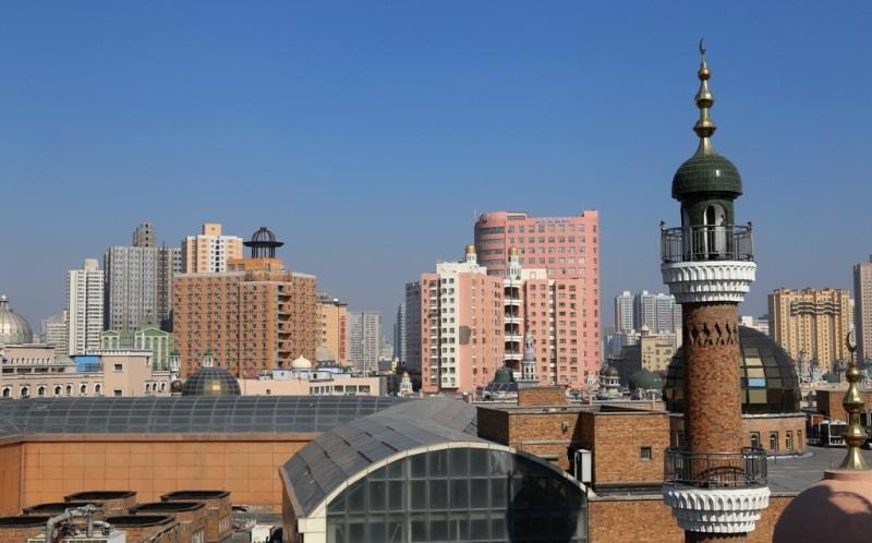 Урумчи́ (старое китайское название - Дихуа) - городской округ в Синьцзян-Уйгурском автономном районе КНР, место пребывания правительства автономного района. Часто встречающееся в не китайских источниках наименование «город Урумчи» относится к четырём центральным районам городского округа.