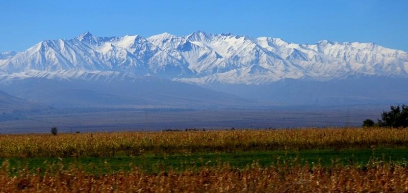 Горы Кыргызский Алатау.