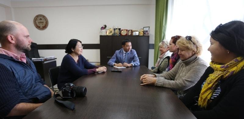 Встреча у заместителя министра по туризму Киргизии, в его кабинете, Азамата Жаманкулова.