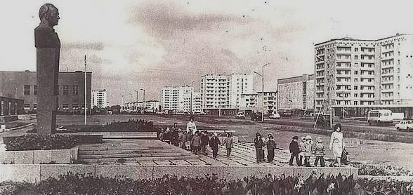 Памятник космонавту Владимиру Ивановичу Пацаеву.