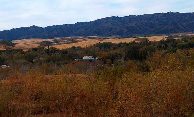 Село Дзержинское в горах Джунгарского Алатау.