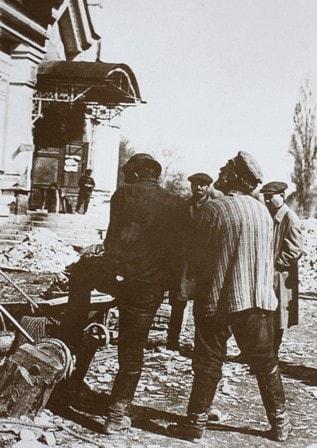 Снятие колоколов в 1929 году.