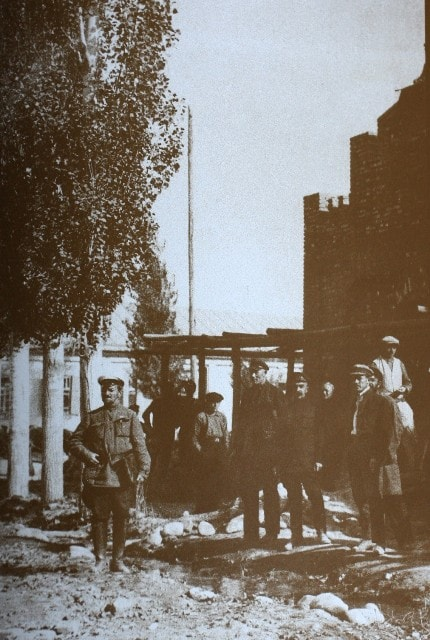 А.П.Зенков на строительной площадке. 1920-30-е г.г.