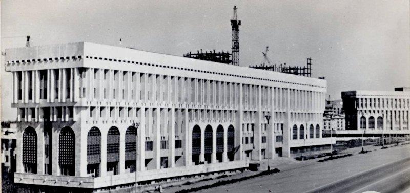 Новая площадь 70-ые годы прошлого столетия.