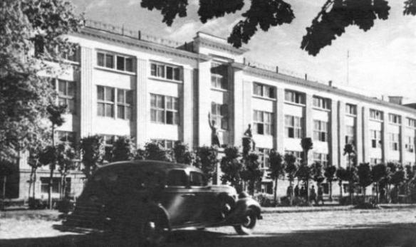 Улица Кирова, ныне Карасай батыра.