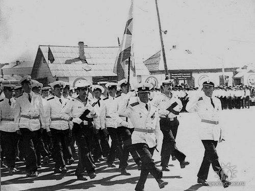 Парад военного гарнизона флотилии в Аральске.