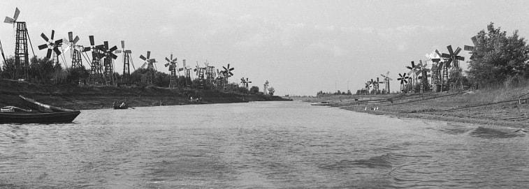 Перетаска - приток Урала в 1955 году у поселка Балыкшы.