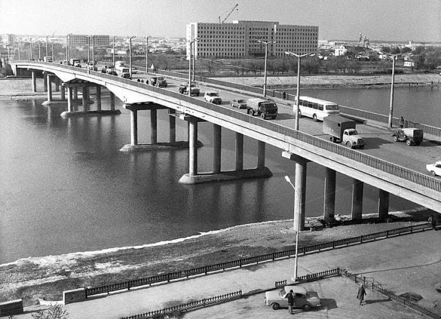 Первый железобетонный мост в Гурьеве.