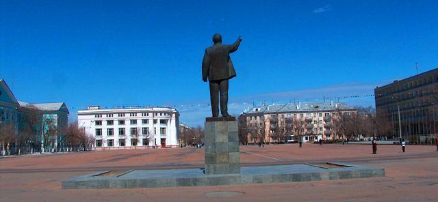 Главная площадь города Байконур.
