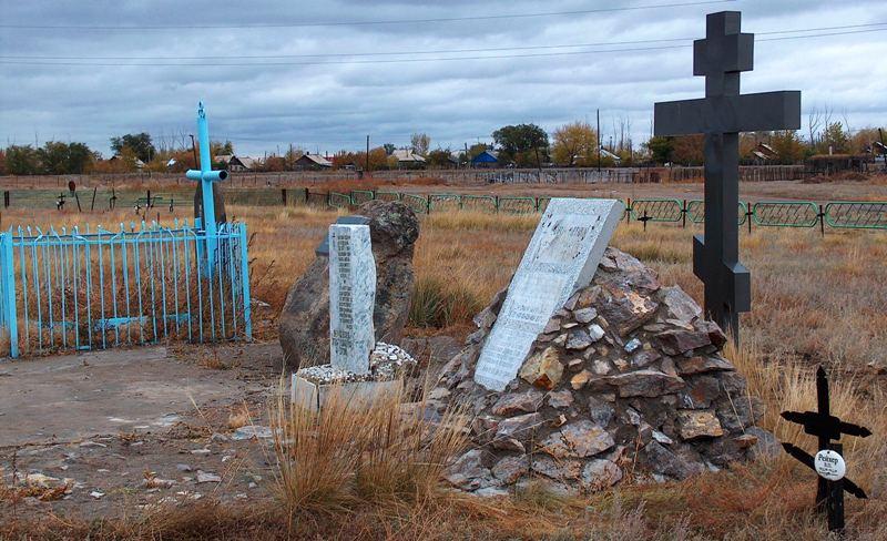 Мамочкином кладбище.