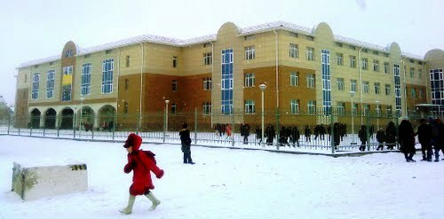 Новая школа в Айтеке-Би.