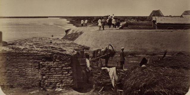 Набережная реки Сыр-Дарья у укрепления Форт № 1.
