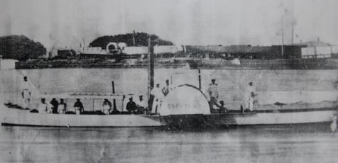 Один из первых пароходов на реке Сыр-Дарья.