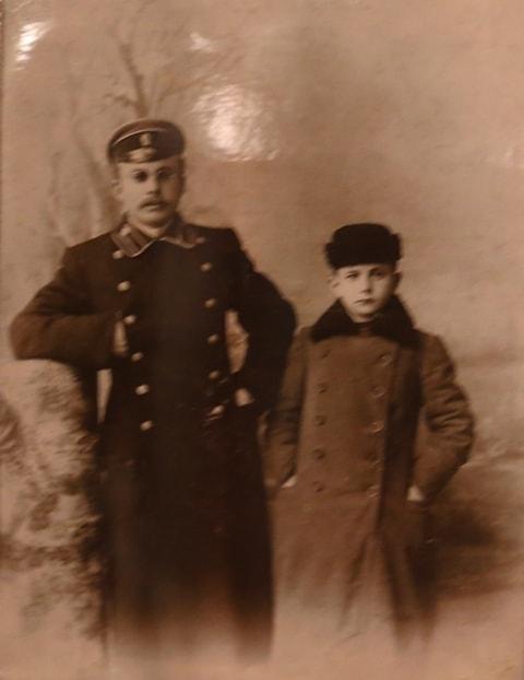 Сыновья З. Дубского. Михаил и Александр.1910 год.  Из архива семьи Дубских.