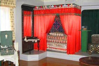 Кровать Майры Шамсутдиновой в доме-музее.