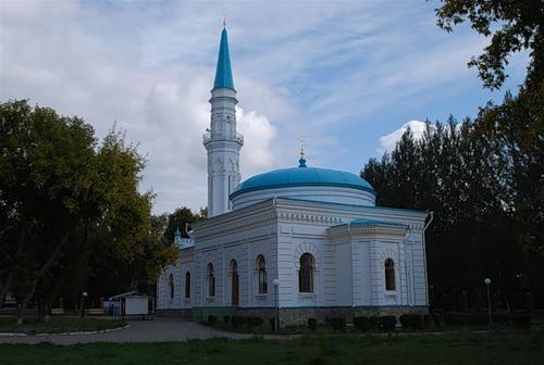 Первая мечеть Павлодара. Построена купцом  Ф. Рамазановым, в 1905 году.
