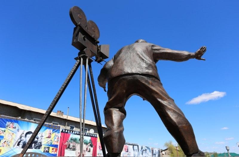 Памятник Ш. Айманову в Баянауле.
