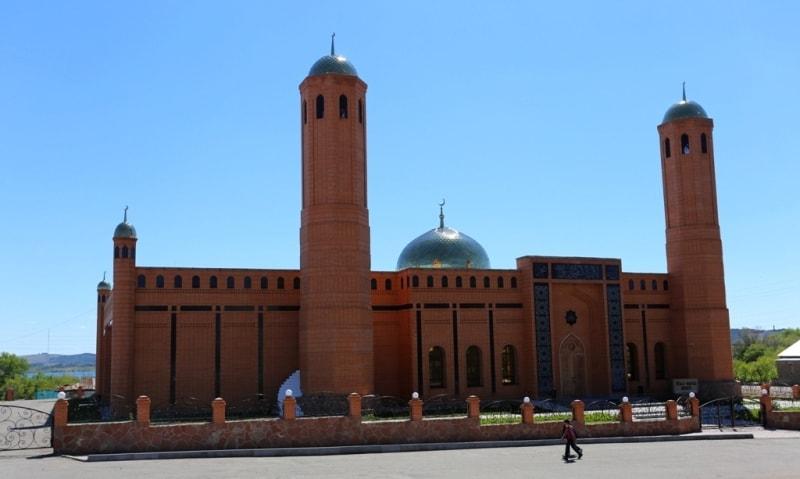 Мечеть в поселке Баянаул.