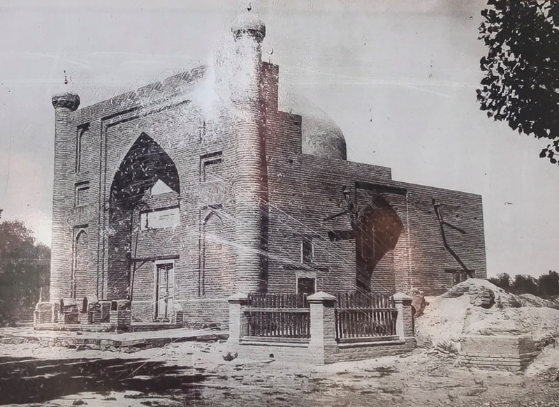 Mausoleum of Karakhan, archive photo. The first half of the XIX century.