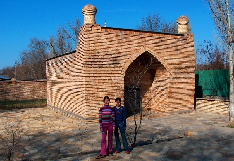 Mausoleum Dautbeka - Shamansur.