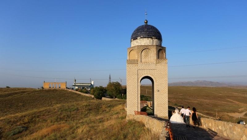 The mausoleum of Tekturmas.