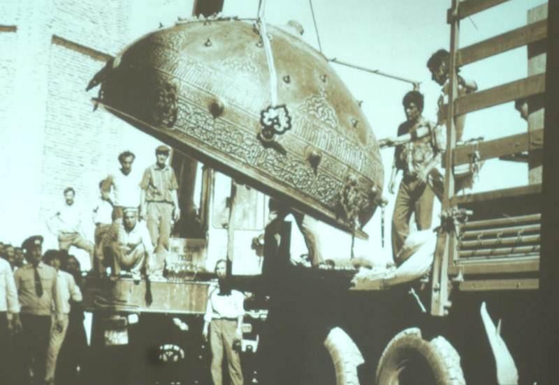 Возвращение Тай-казана в мавзолей Ахмеда Ясави.