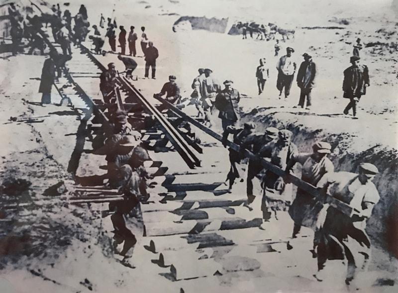 Строительство Туркестанской железной дороги.