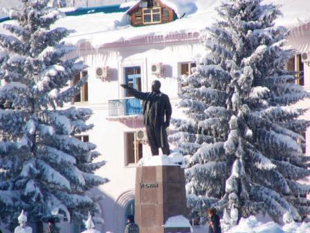 Памятник В.И. Ленину в Зыряновске.