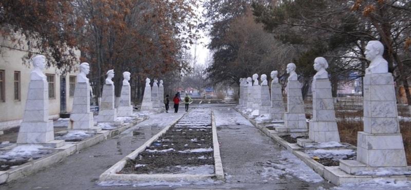 Avenue of outstanding figures Zharken.