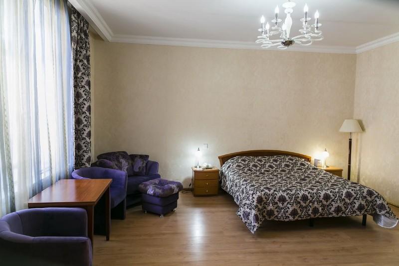 Suite room.