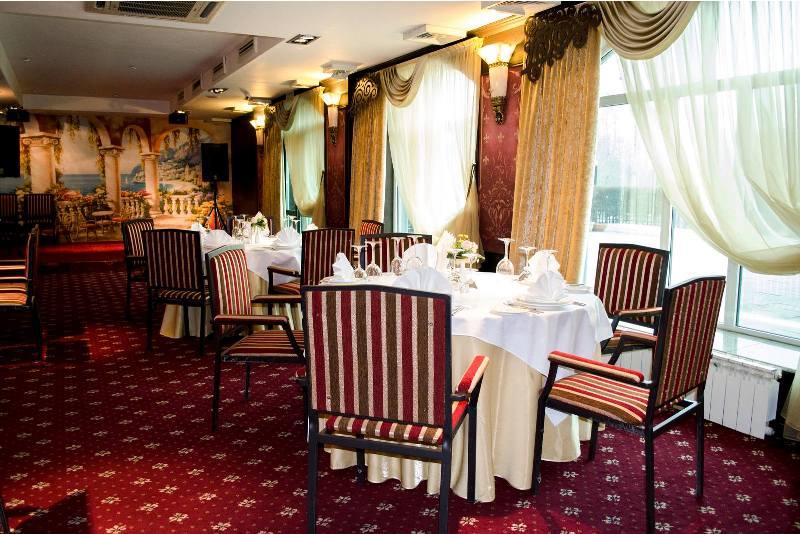 Ресторан «River View».