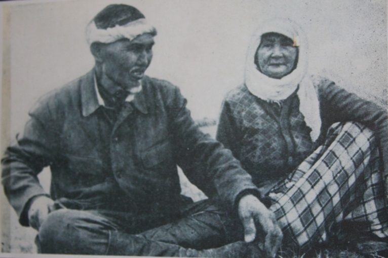 Ybrai Zhakhaev with wife Bibazharmen.