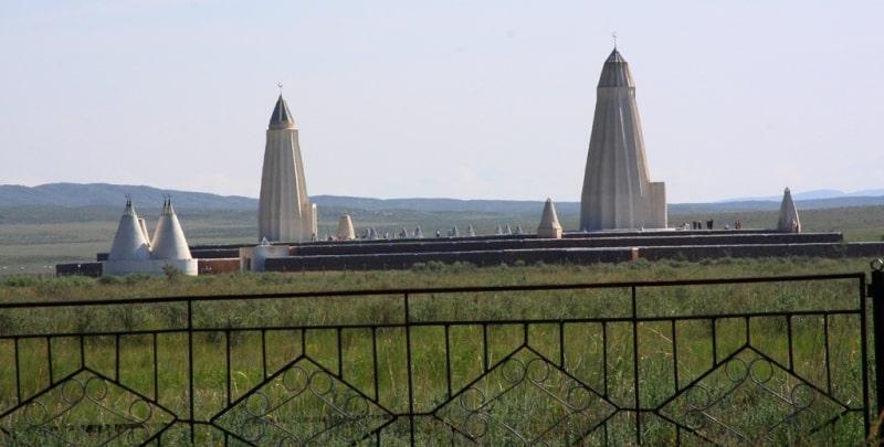 Архитектурный комплекс Абая и Шакарима и его окрестности.