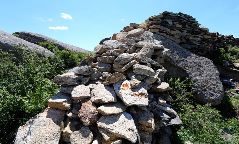 Stone walls of Ablaykit.