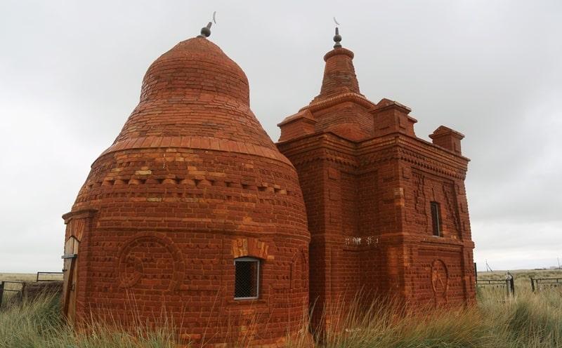 Zeynulla mausoleum of the master Bayazit Satpayev.