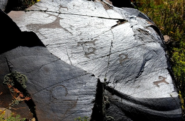 Figures of an epoch of bronze. Petroglyphs the Bayan-Zhurek.