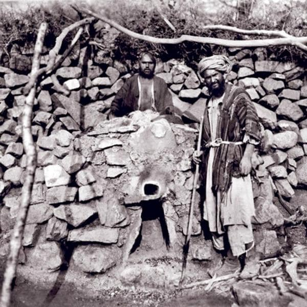 The construction of aryk (water channel) of stones. Photo by Leon Borschevsky. 1876 - 1897