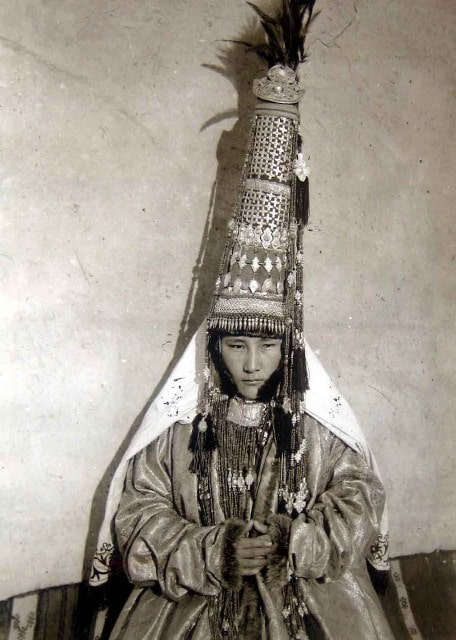 Photo of the bride in the 90s of the XIX century (C.D. Lazari - Head of the Lepsinsky County).