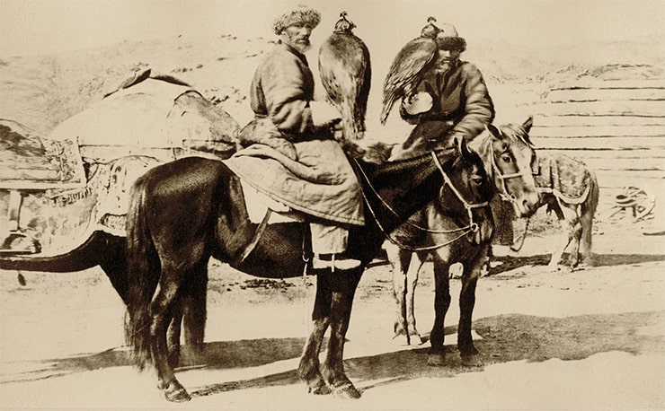 Hunters with eagles. Photo Lydia Poltoratskaya. 1870
