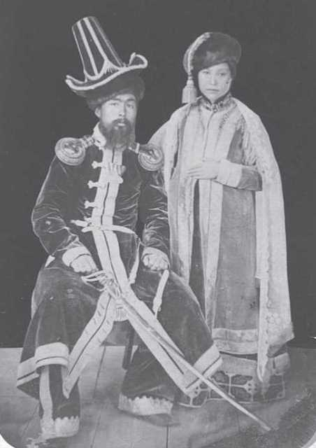 Khan with his wife. Astrakhan. Until 1845, the MAE. Coll. № 1159-34154-23