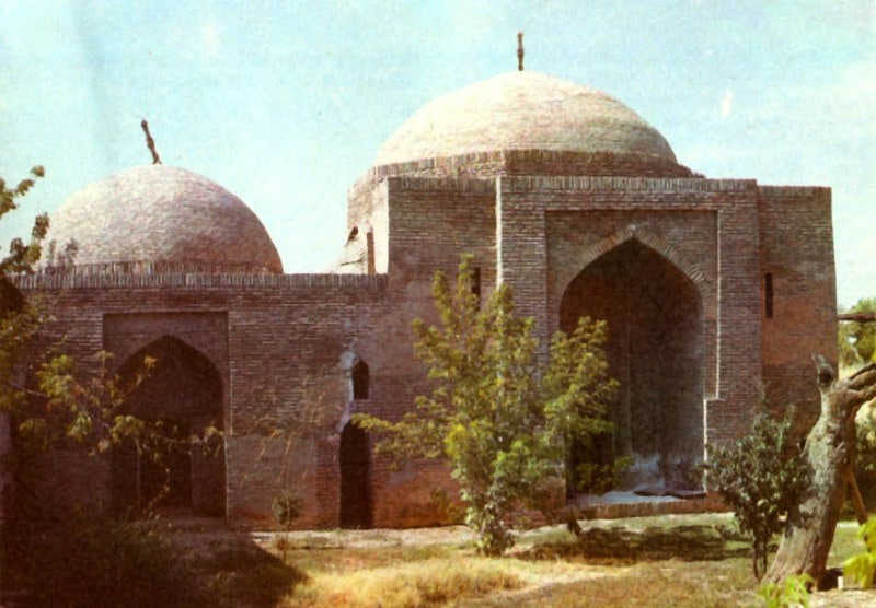 Koshkar-Ata saint of the tomb and Chillyakhana in Turbat. Photo of the 80s of the XX century.