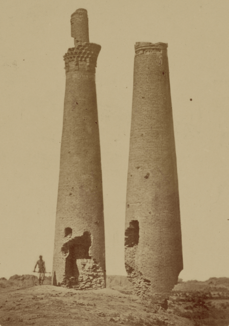 Minarets of Sauran. 1866 photo of Priorov.