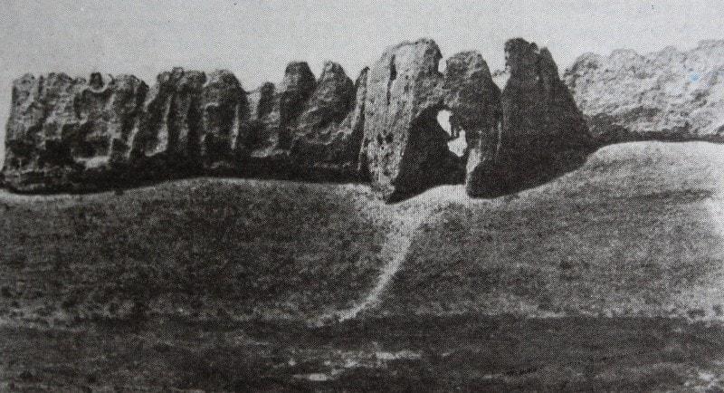 Городище Сауран вид внешней крепостной стены.