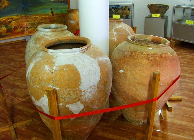 Кувшин найденный при археологических раскопках на городище Отрар.